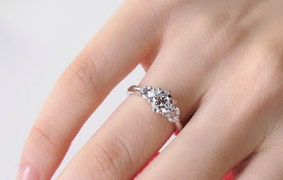 ways-to-find-perfect-sparkle-for-your-finger