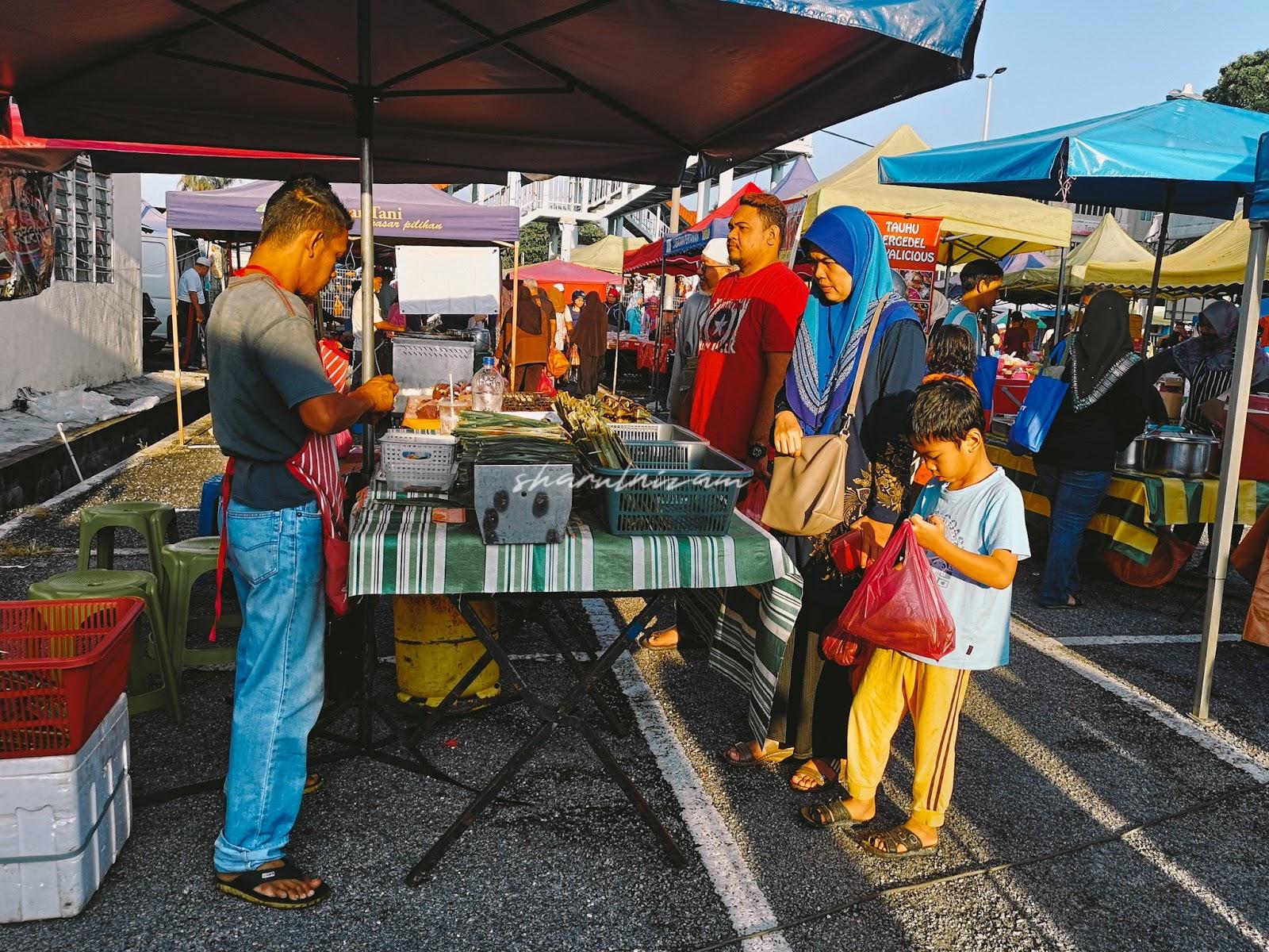 Pagi Sabtu di Pasar Tani Gombak Setia - Otak-otak