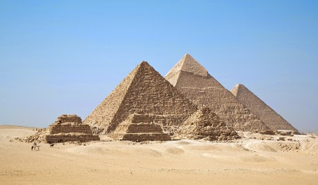 Mivel magyarázható a piramisok váratlan aktivizálódása?
