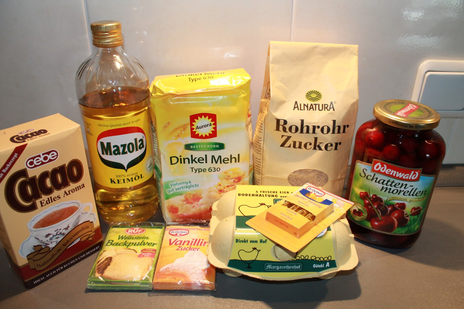 Healthy Food And Lifestyle Zebrakuchen Mit Kirschen Laktosefrei