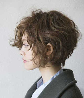stylish short curly wavy haircut for women jere haircuts