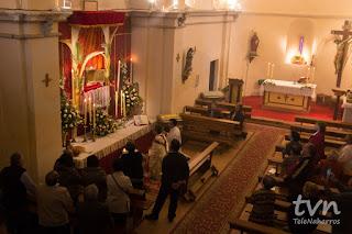 Levantamiento del Santísimo Monumento el Jueves Santo en Naharros