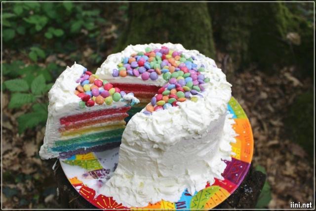 ảnh bánh kem cầu vồng 7 màu đẹp