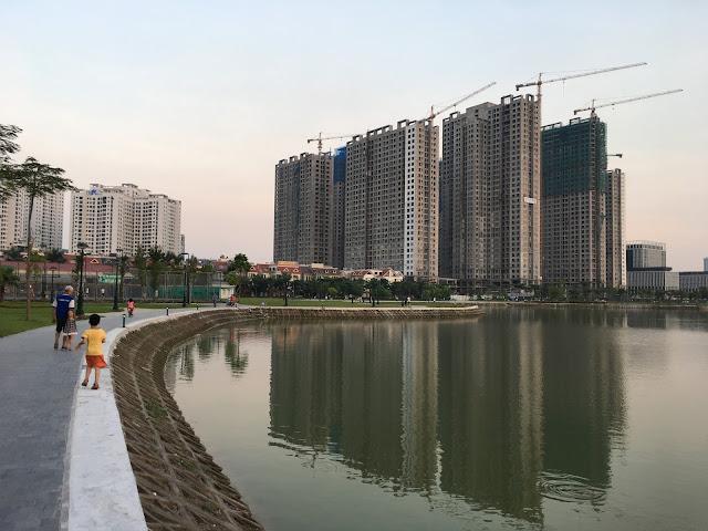 Hình ảnh 8 tòa tháp An Bình City thơ mộng soi bóng dưới mặt hồ