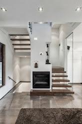 Hogares Frescos: Casa con Arquitectura Exterior Moderna y