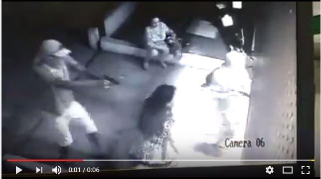 bandidos-tentam-invadir-delegacia-para-resgatar-presos-em-Fortaleza