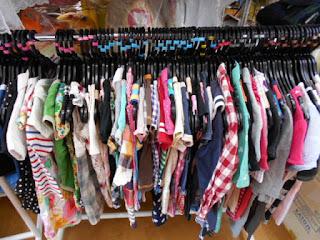 100円子供服180着補充いたしました2枚目の写真。