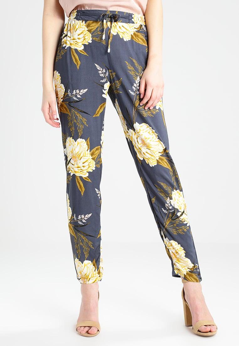 completi moda maglia e pantaloni
