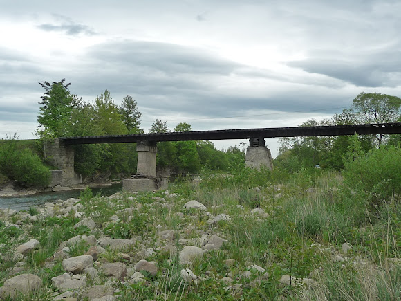Краса Карпат. Подорож трамваєм. Річка Мізунка. Залізничний вузькоколійний міст