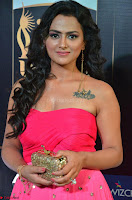 Sraddha in Sleeveless Off Shoulder Pink Dress at IIFA Utsavam Awards March 2017 019.JPG
