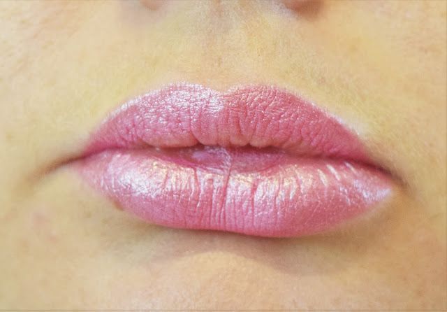 Kiko Lip Gloss Pencil in Hot Pink