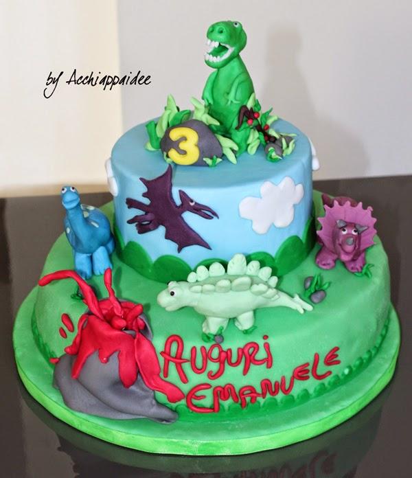 torta a tema dinosauro in pasta di zucchero