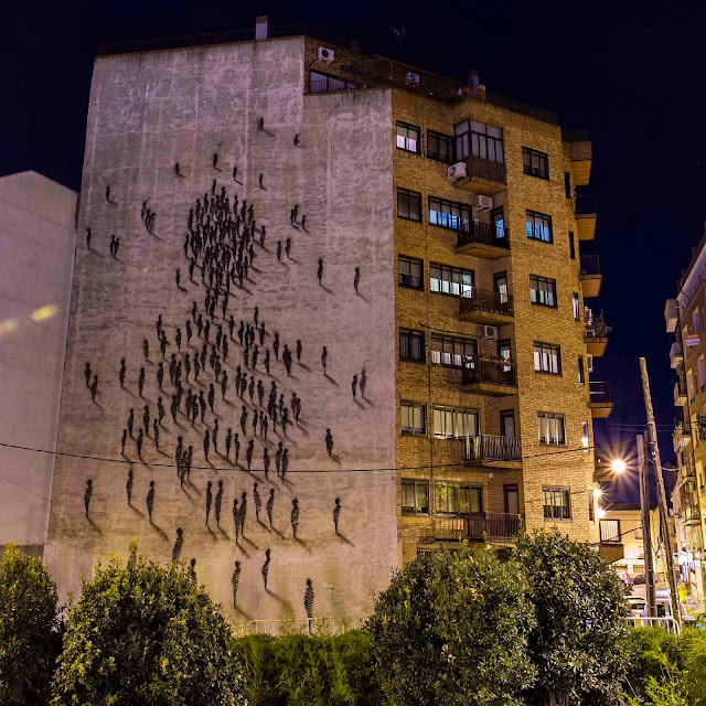 Spanish Muralist Suso33 paints a new Street Art Piece On The Streets Of Madrid, Spain. 2