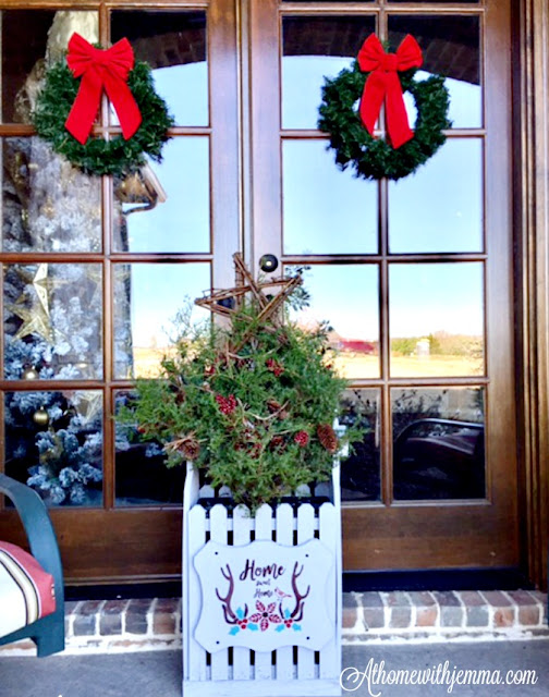porch-cedar-tree-Christmas-decorating-Holiday-stencil