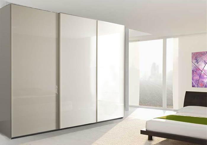 armadio scorrevole laccato bianco a 3 ante