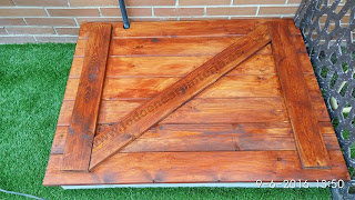 Tapa de madera para los jardines.