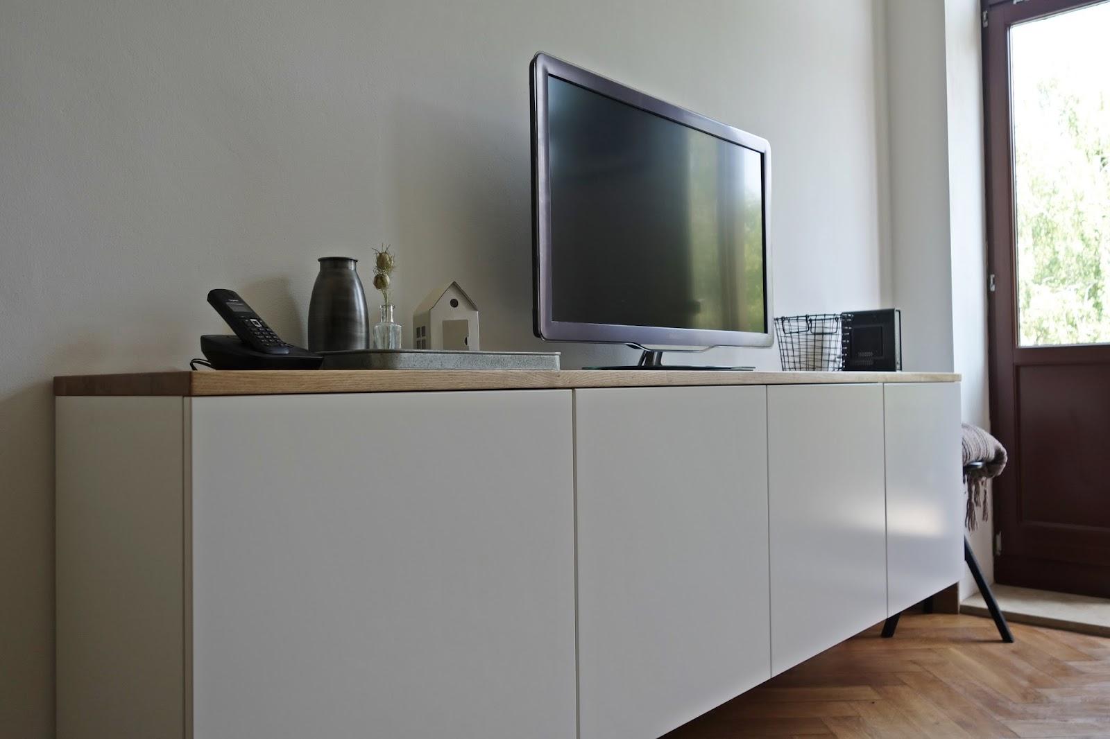 madolescent liebt diy k chenoberschr nke werden zum schwebenden sideboard. Black Bedroom Furniture Sets. Home Design Ideas