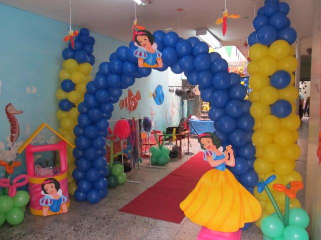 Castillos de globos recreacionistas medellin y for Globos decoracion fiestas