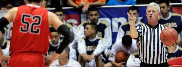 Árbitro sordo de baloncesto Ronnie Milliorn