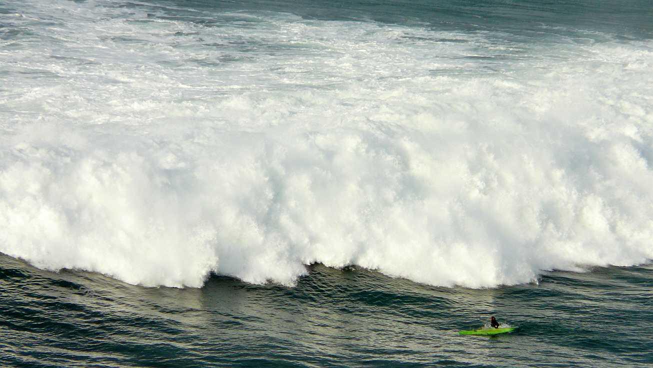 surf menakoz diciembre 2015 olas grandes 05
