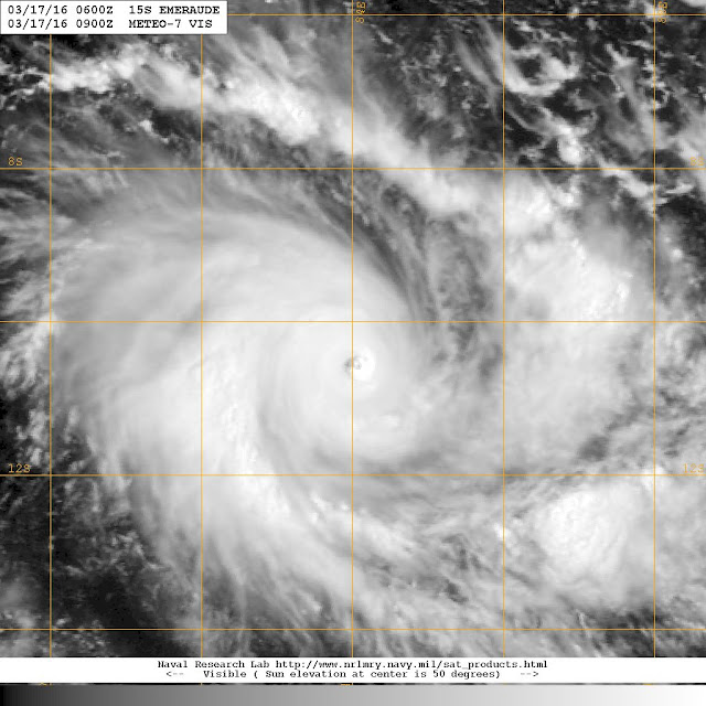 Image satellite du cyclone tropical intense Emeraude