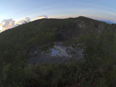 kaldera gunung mahawu