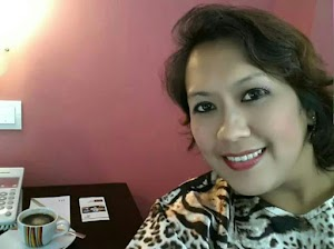 Singapore Sugar Mummy Available Online -  Chat Live Now via WhatsApp, Photos and Direct Contacts