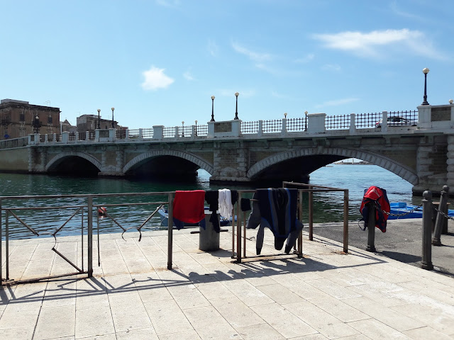 Ponte di Pietra a Taranto Foto di aroundmemm