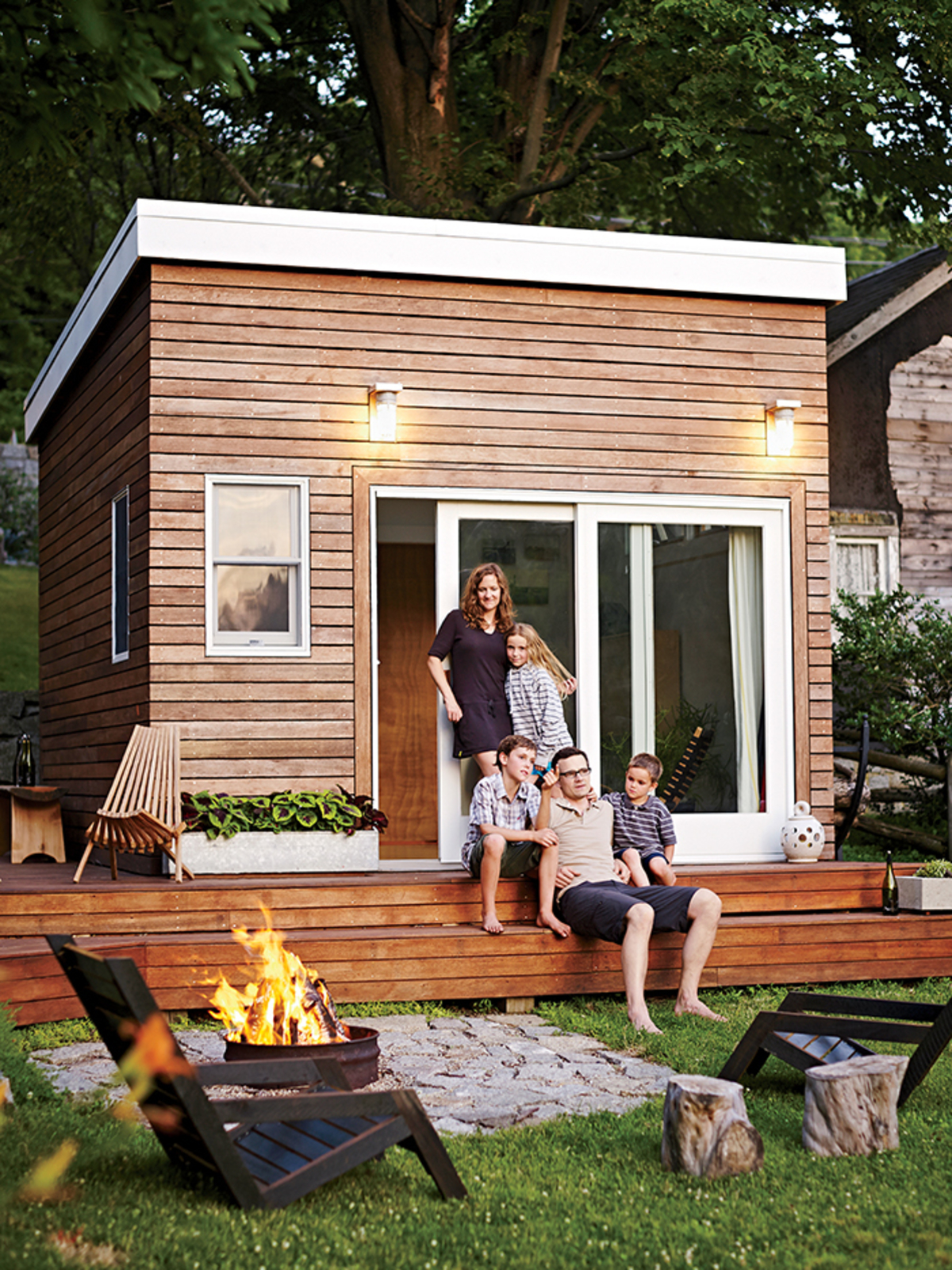 Tiny house town a diy 168 sq ft backyard studio Tiny house in backyard