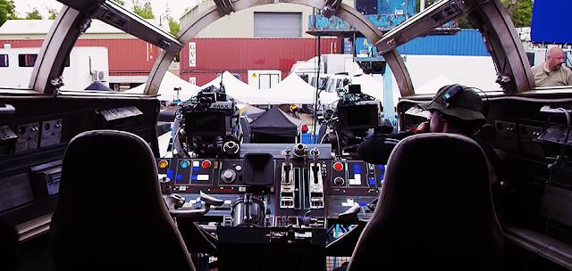 Interiorul navei Millenium Falcon