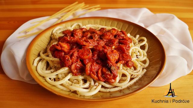 Spaghetti z parówkami