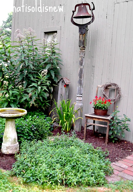 What S Old Is New Creating Country Gardens With Rustic Charm