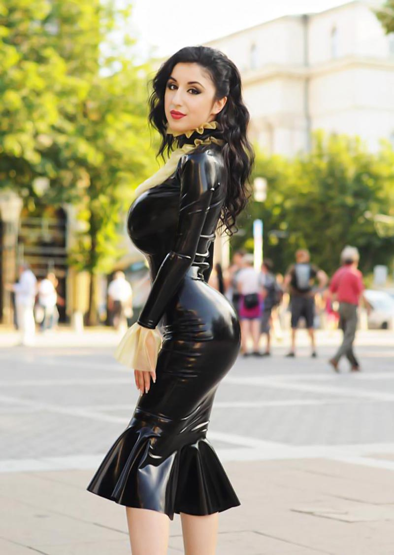 Marilyn yusuf in hot latex - 1 part 5
