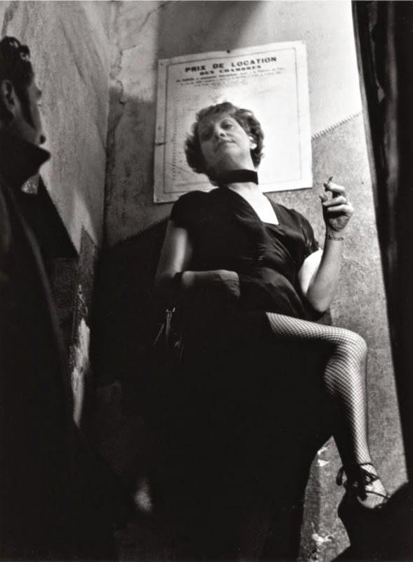 finest selection d8ef8 c5710 Prostituta fotografata a Parigi da George Brassaï, 1930 circa.