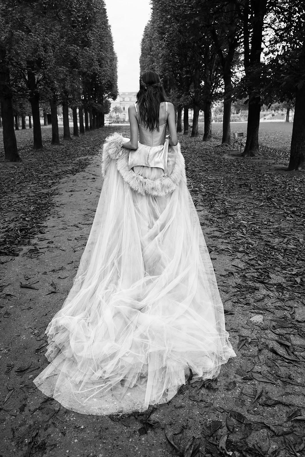 Wedding dresses vera wang bridal fall 2018 cool chic for Wedding dresses by vera wang 2017