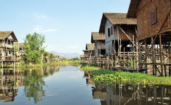 Xvlor Inle Lake, watches exotic cultural floating life in Myanmar's mountains