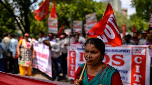 150 millones de trabajadores siguen la huelga general en La India
