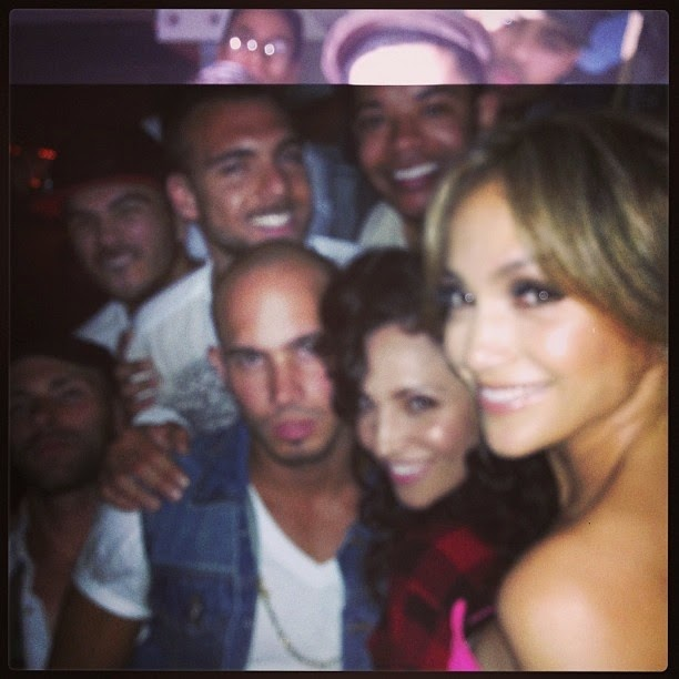 Jennifer Lopez with friends in party
