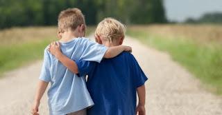 Teman Yang Baik Adalah Teman Yang Bisa Membuat Kamu Seperti Ini