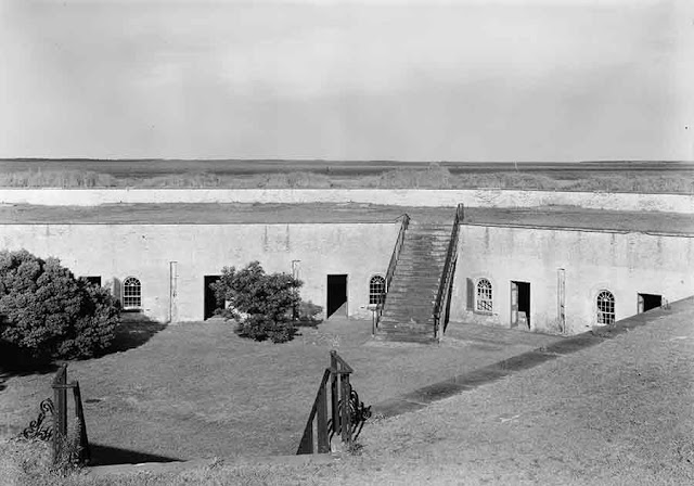 Fort Macon is reactivated on 19 December 1941 worldwartwo.filminspector.com