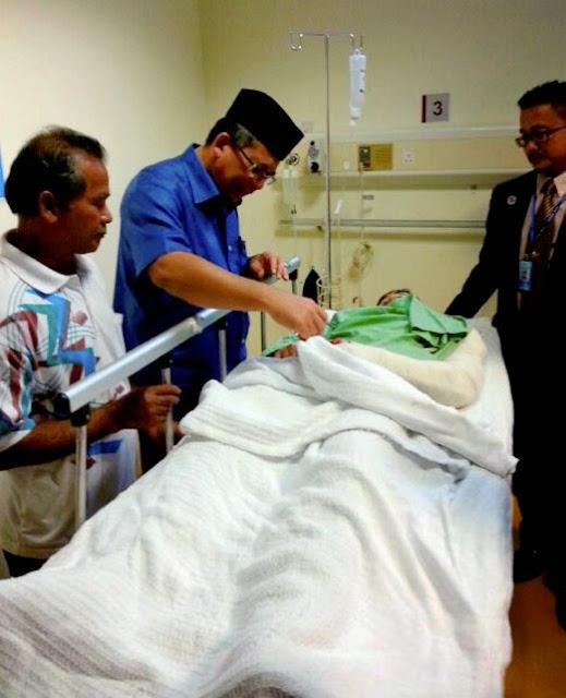 Tak Sempat Ke Sekolah, 2 Pelajar Maut Motor Di Rempuh Hilux
