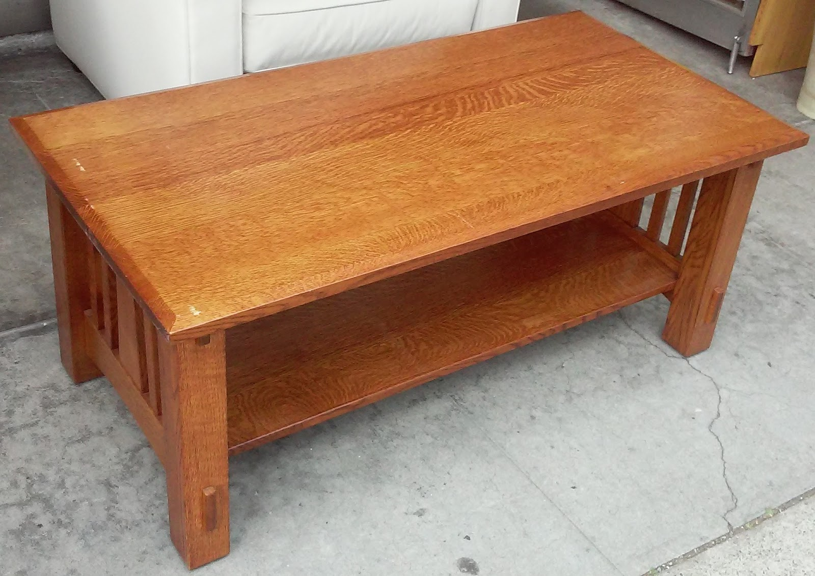 Uhuru Furniture Collectibles Sold 4054 Mission Oak 4 39 Coffee Table 125