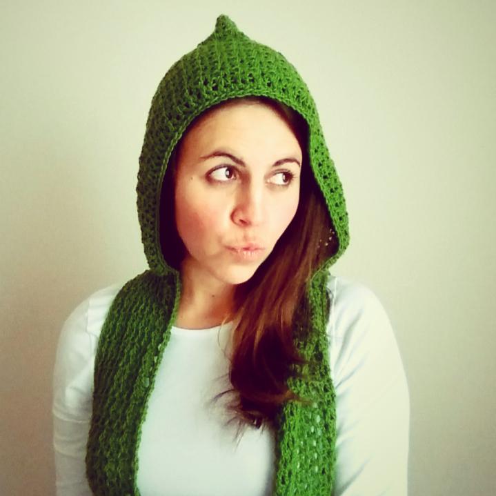 chaleco con capucha a crochet