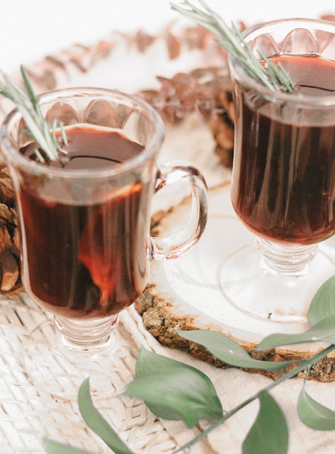 Crock Pot Mulled Wine