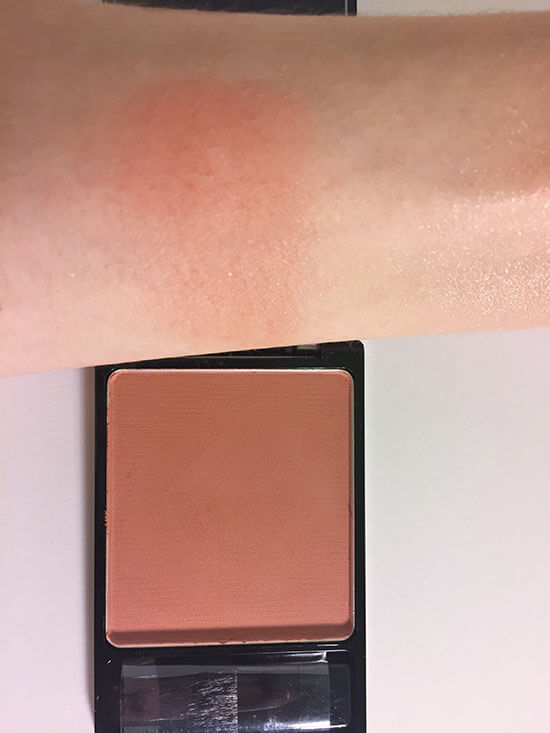 wet n wild coloricon Blush Mellow Wine swatch