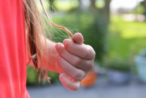 7 Penyebab Rambut Rontok Dan Cara Mengatasinya Agar Tidak Botak