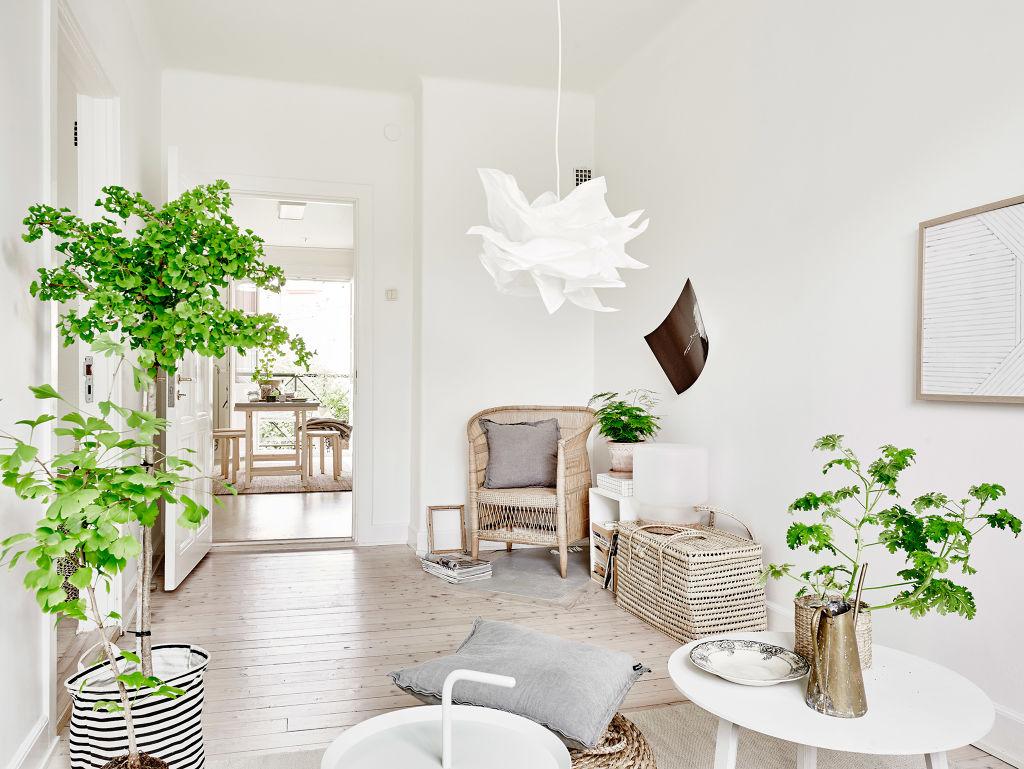 Stockholmsgatan 1a a bright natural style apartment in for Arredare casa bianco e beige