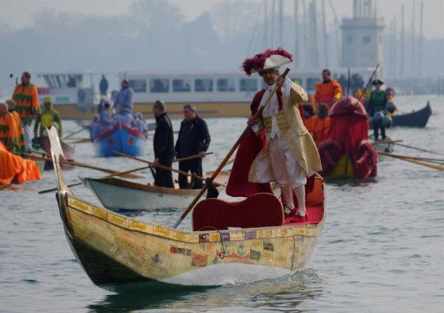 «Ομηροι» στη Βενετία λόγω... καρναβαλιού