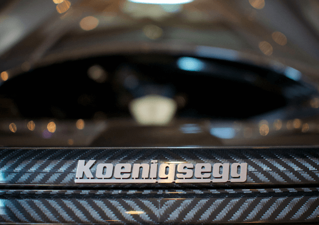 Koenigsegg CCXR Edition close up to badge and carbon fibre