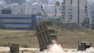 Wuih ... Untuk pertama kalinya Iron Dome Israel digunakan untuk hancurkan 2 roket yang ditembakkan dari Suriah - Commando